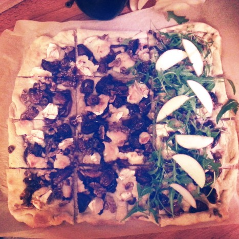 OMG RW cookbook goat cheese, fig and walnut pizza with rocket, so healthy! NOT.